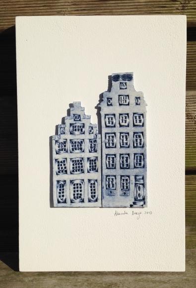 2 houses (17x26cm): €80