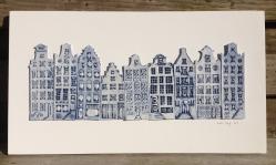 9 houses (50x28cm): €240