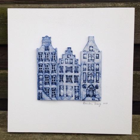 3 houses (26x26cm): €95